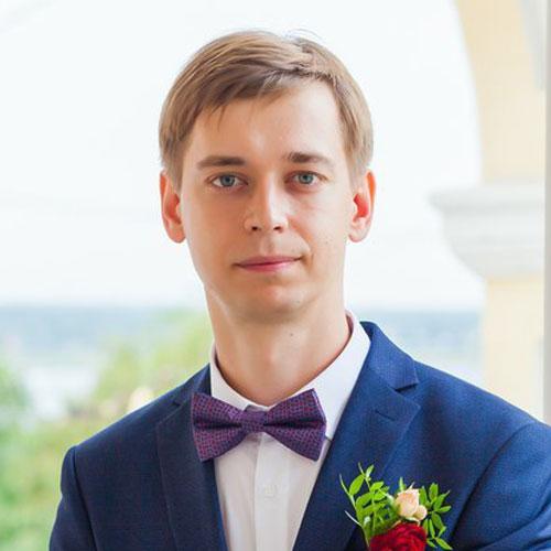 Кирилл Черноколпаков : ведущий специалист поработе склиентами