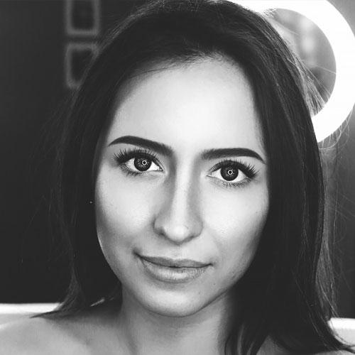 Евгения Сажина : ведущий специалист отдела рекламы