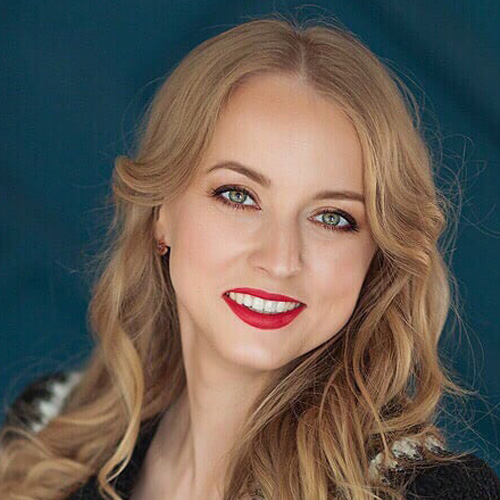 Олеся Турченко : ведущий специалист отдела рекламы